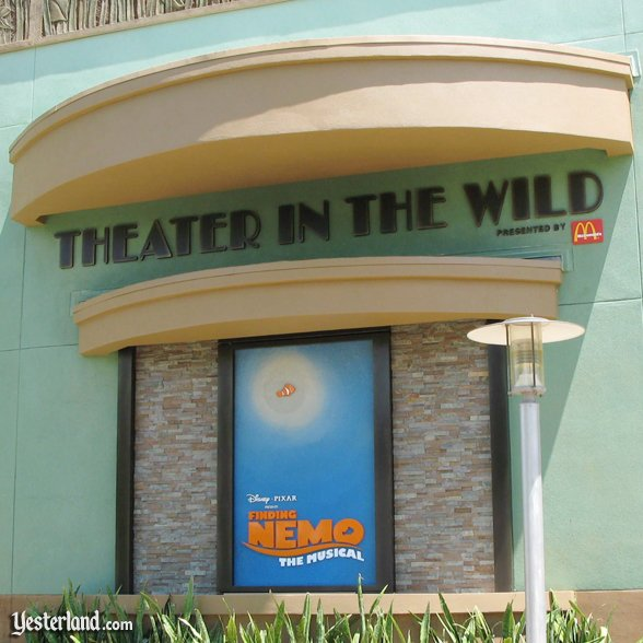 Animal Kingdom Theatre in the Wild: 2007 by Werner Weiss.