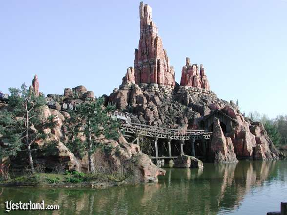 Photo of Thunder Mountain at Disneyland Paris: 2005 by Werner Weiss