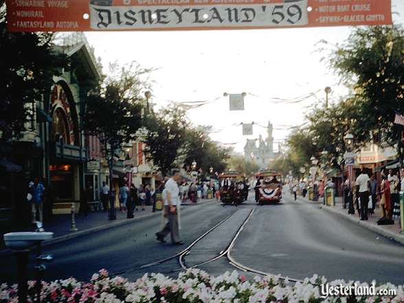 Photograph of 1959 banner over Main Street