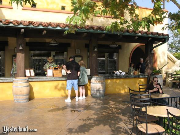 Wine bar at Golden Vine Winery