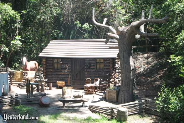 Photo of No-Longer-Burning Settler's Cabin at Disneyland in 2007