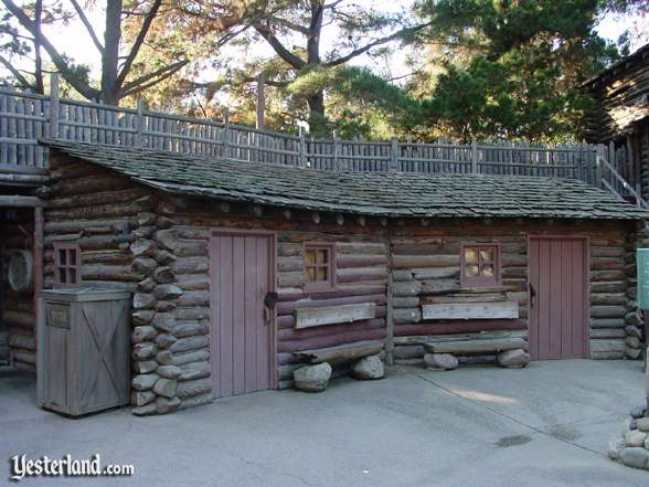 Photo of shuttered Fort Wilderness Canteen and Trading Post