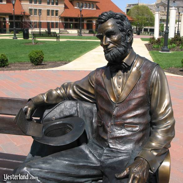 """Lincoln"" (2006) by artist Mark Lundeen"