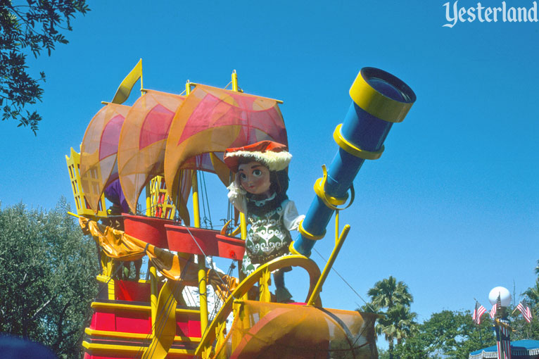 Anciennes Parades des Resorts Américains Americaparade2_columbus19756ft