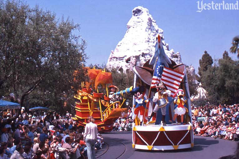 Anciennes Parades des Resorts Américains Americaparade2_fifeanddrum1975ww