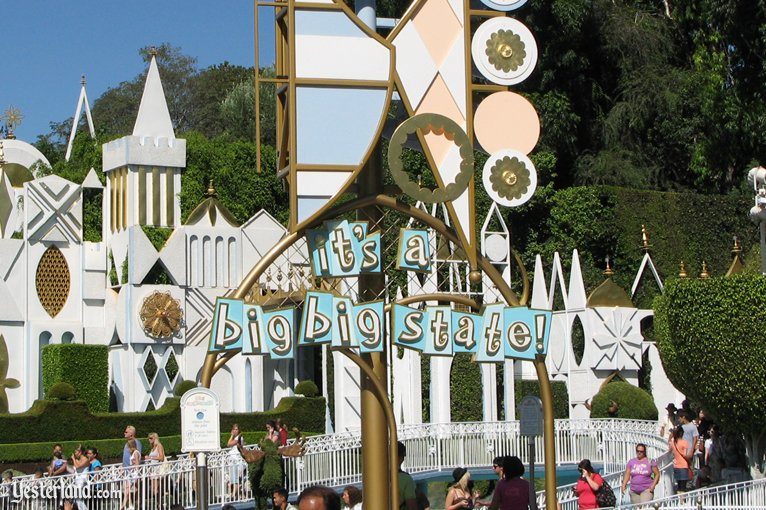 "Photoshopped picture of ""it's a small world"""