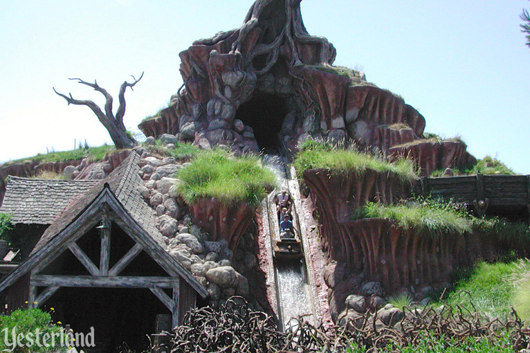 Splash Mountain at Disneyland Park
