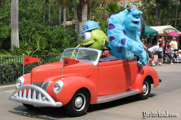 Monsters, Inc. car in Disney Stars and Motor Cars parade