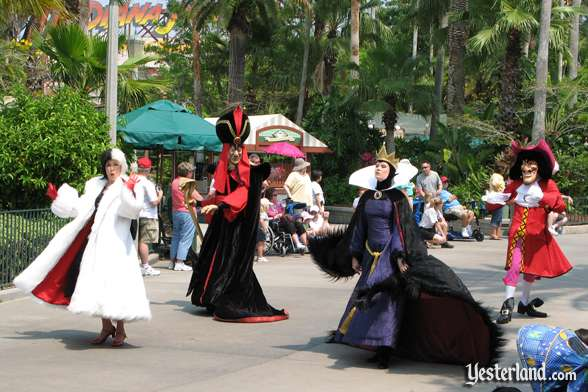 Disney villains in Disney Stars and Motor Cars parade