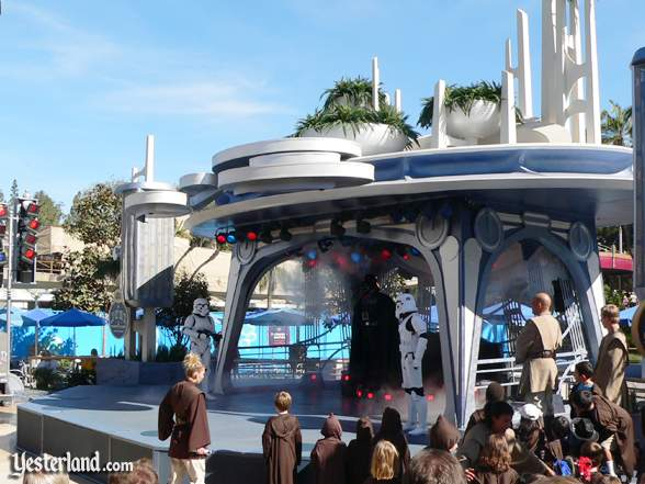 Jedi Training Academy on the Tomorrowland Terrace Stage in 2007