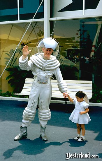 Photo of the Tomorrowland Spaceman
